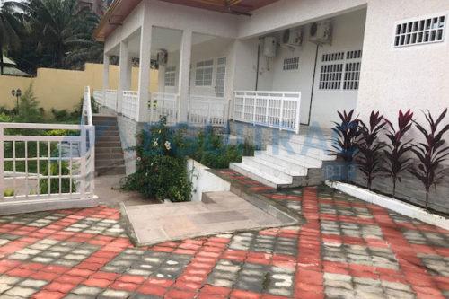 Construction d'une villa pavillonnaire à la cité ministérielle